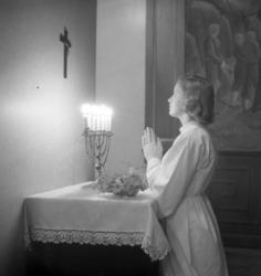 Kvinna som ber