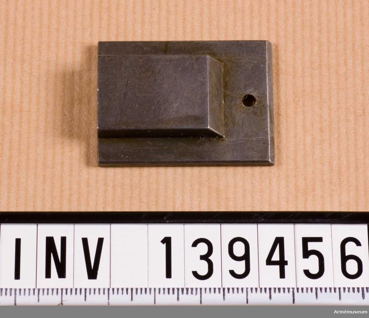 M3200-805010.