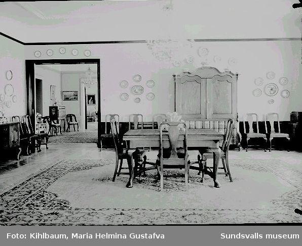 Interiör från  Villa Marieberg. Matsalen, familjen Wikströms bostad.