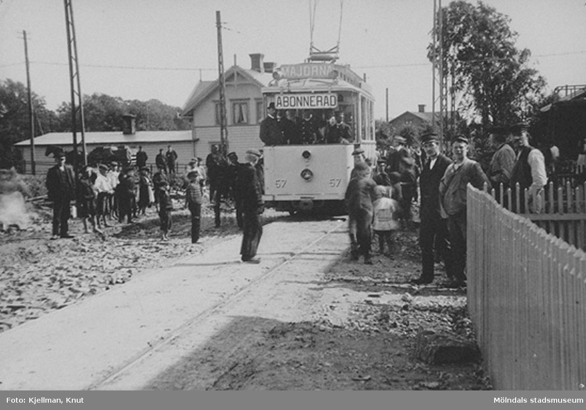 Premiärturen mot Göteborg. Spårvägen invigs mot Göteborg sommaren 1907 i Mölndalsbro.
