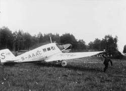 Den första flygningen startade den 18 juni 1928 från Stockho