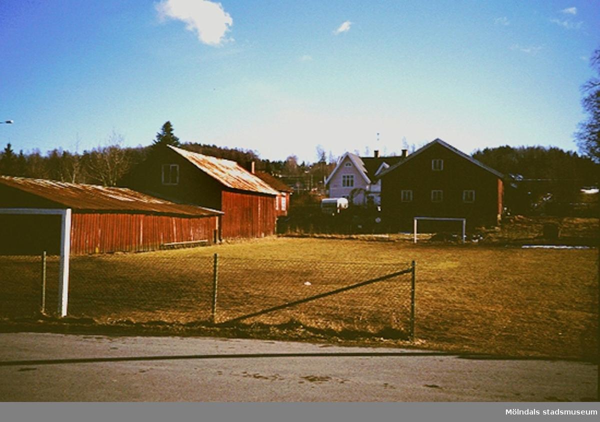 En bondgård, mars 1994.