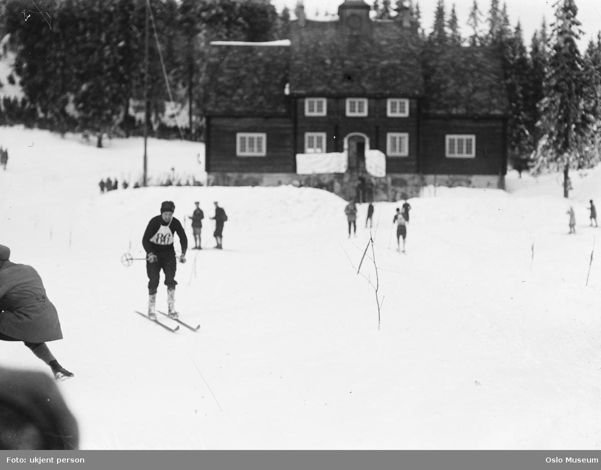 skimesterskap, skiløper, publikum, Skimuseet, skog