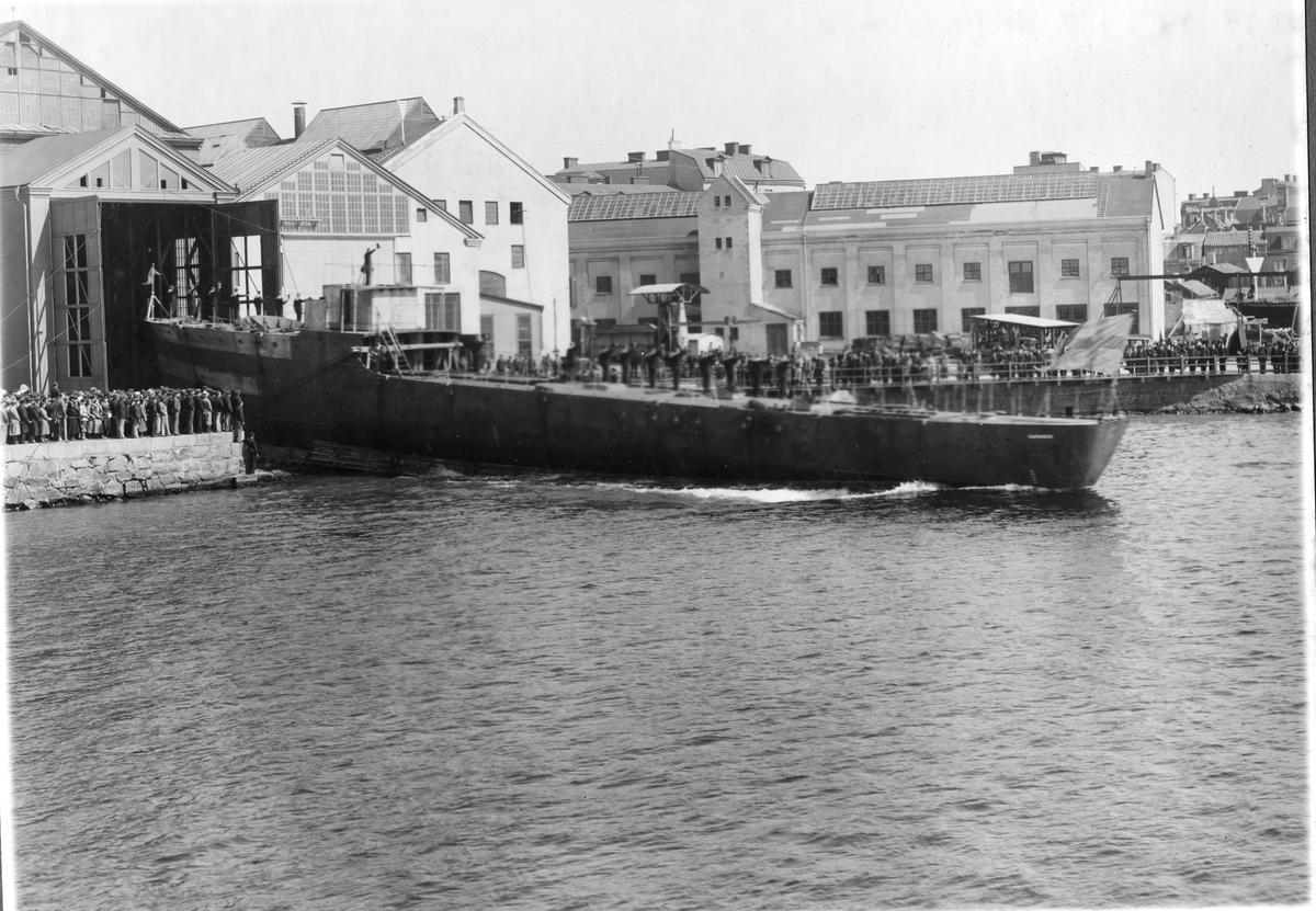 Fartyg: KAPAREN                         Byggår: 1933 Varv: Örlogsvarvet, Karlskrona Övrigt: Vedettbåten Kaparens sjösättning