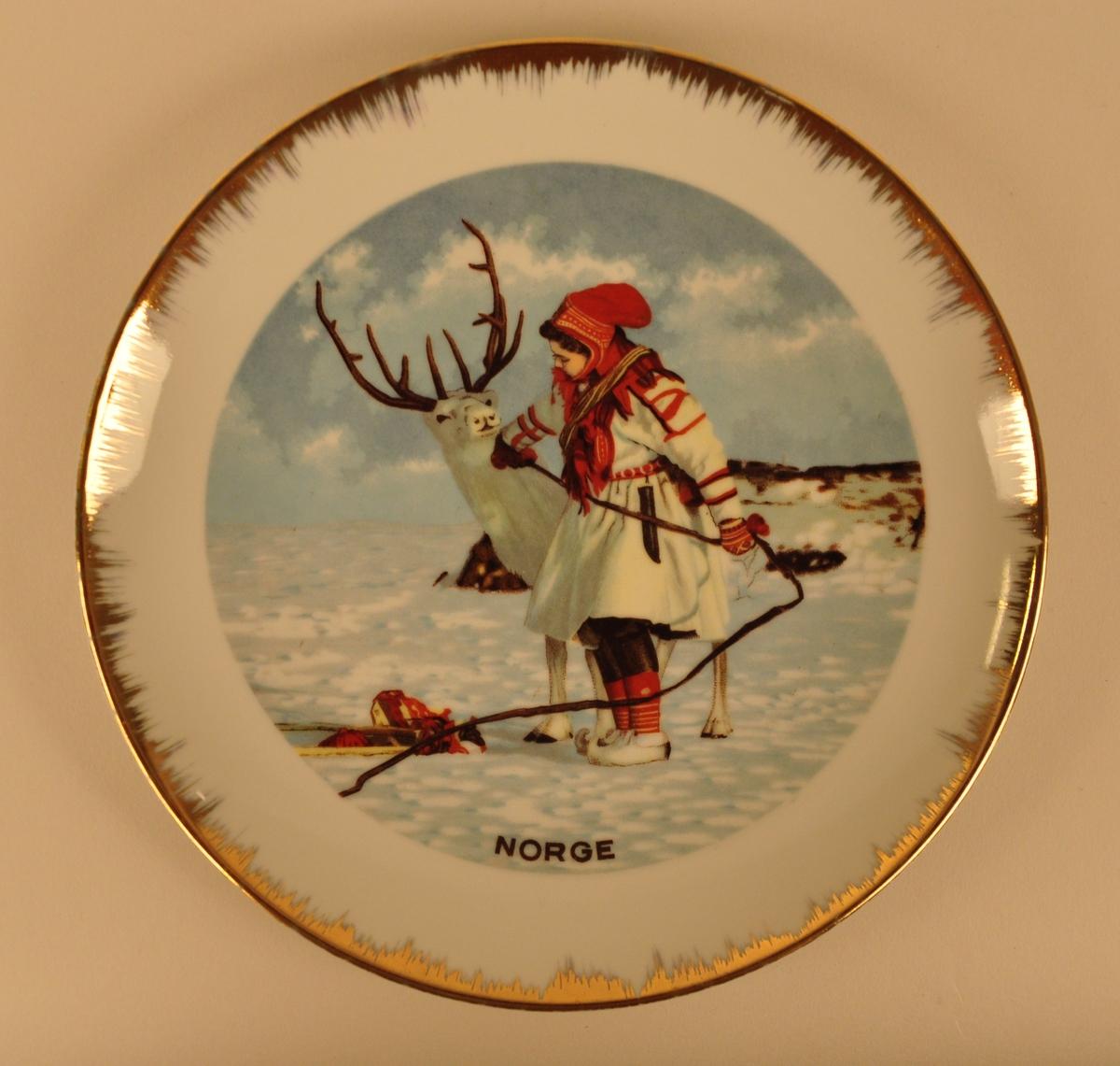 Motivet viser eit vinterlandskap med ei jente i samedrakt og eit reinsdyr