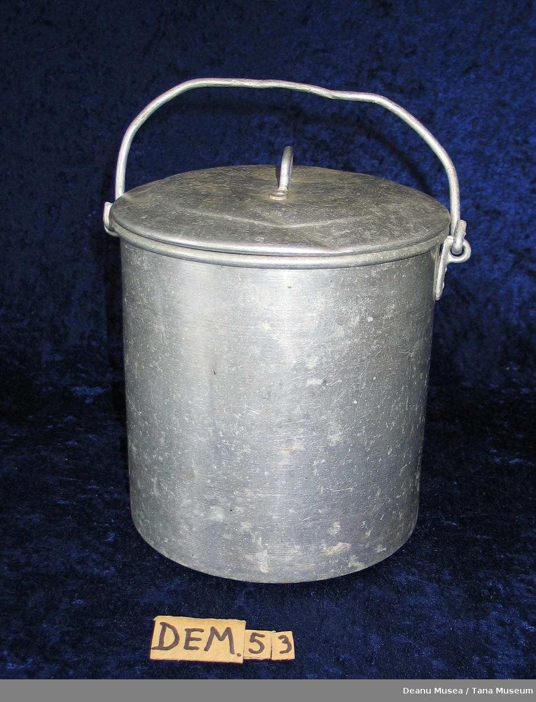 Aluminium-spann med lokk.