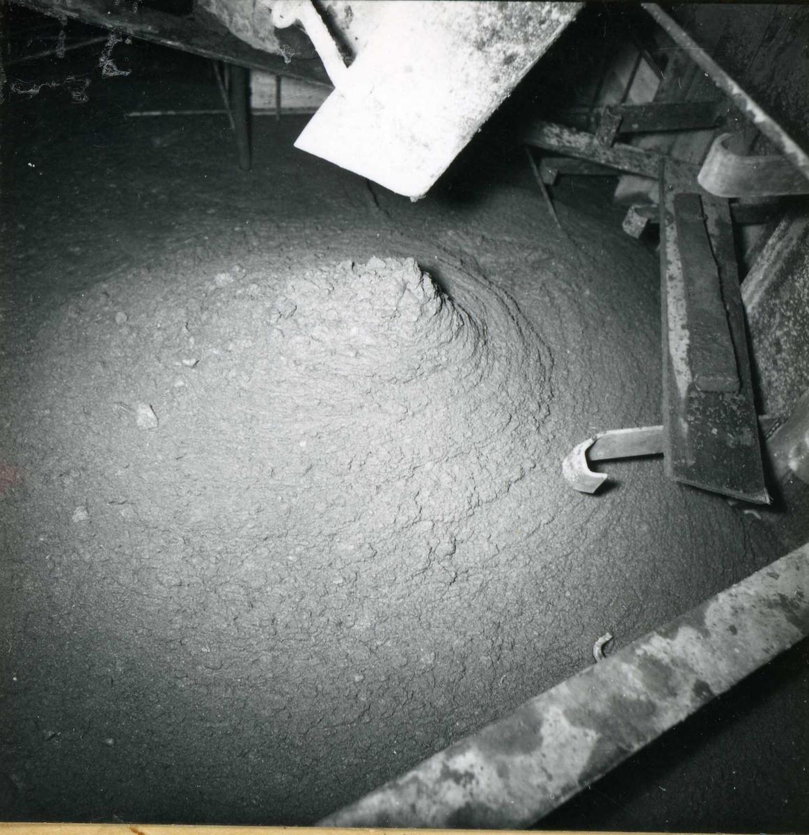 Inntak og dam. Våmarvatn og Kåsvatn. Støyping.