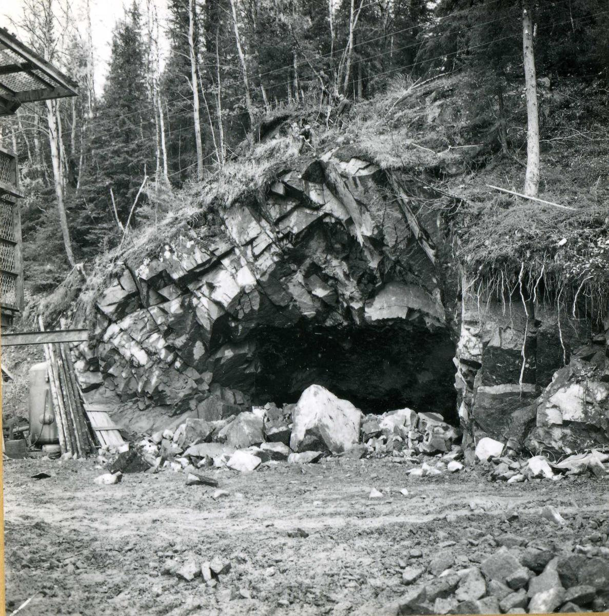 Tilløpstunnel frå Vesås. Tunnelmunning