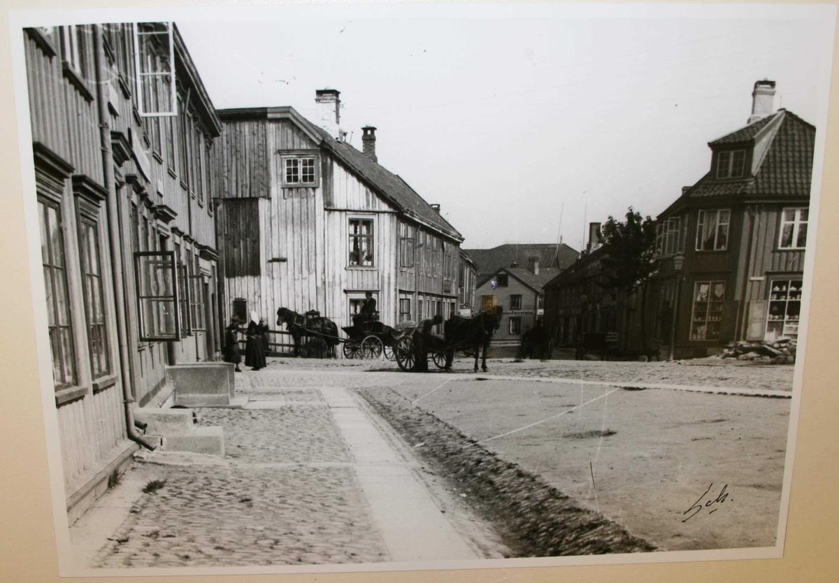 Gatebilde fra Nedre Bakklandet 1900