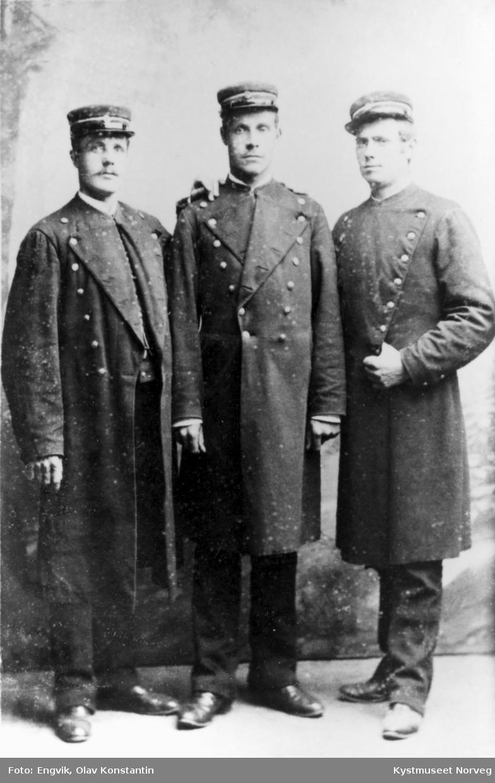 Ukjente menn i uniform
