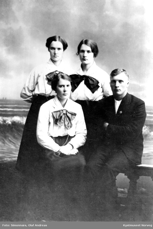 Marie Holum Strømhylden, Pauline Holum Binderø, Gudrun Holum Gravseth og Odin Holum