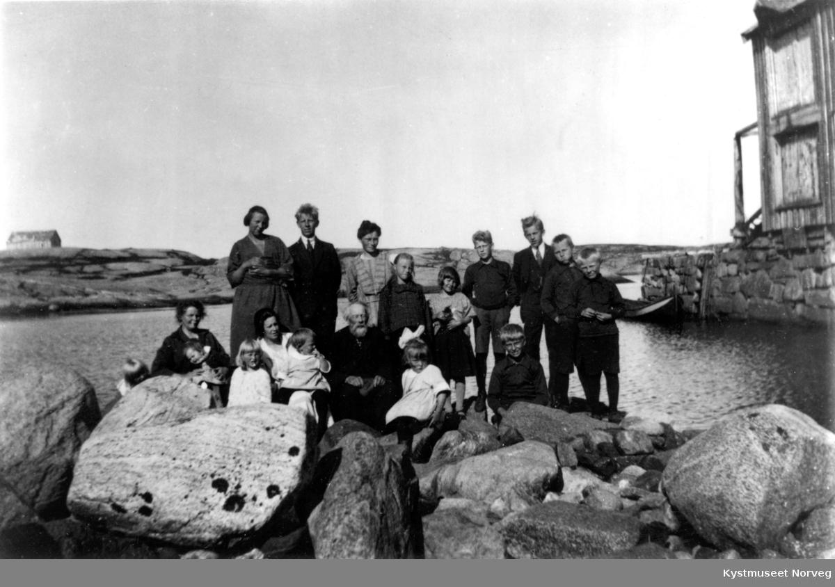 Ukjente feriegjester på Urholmen i Flatanger