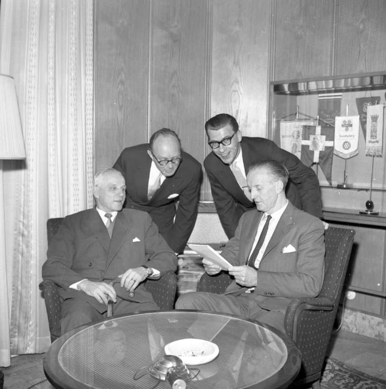 """Enligt notering: """"Turistdebatt Carlia 16/1 1960""""."""