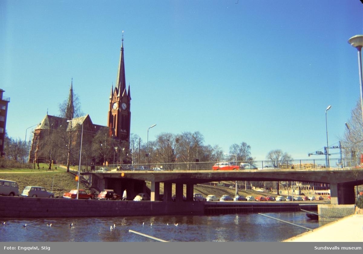 Storbron med Gustav Adolf-kyrkan i bakgrunden..