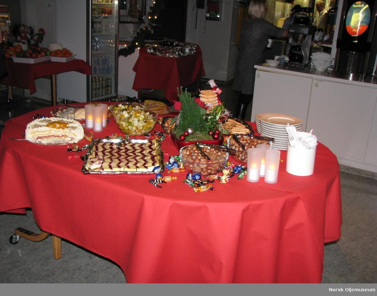 Kakebordet på julaften.