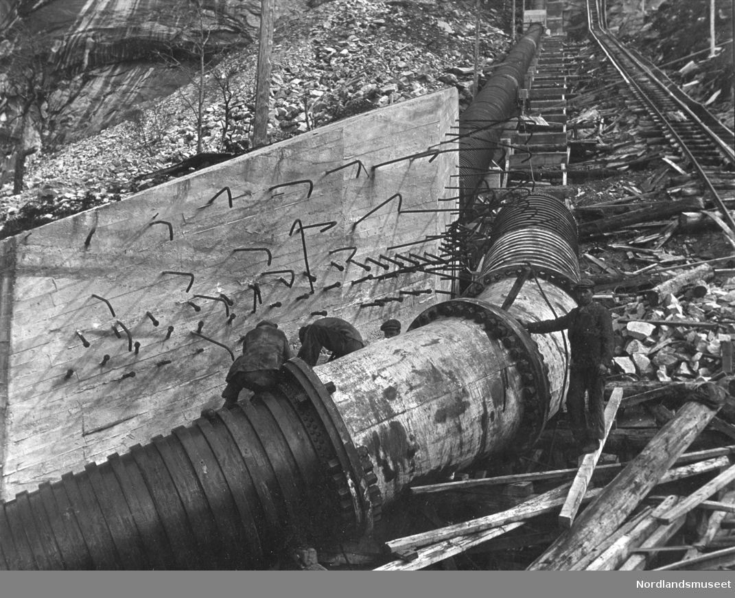 Rørgata ved knekk 5. 09.05.1921.