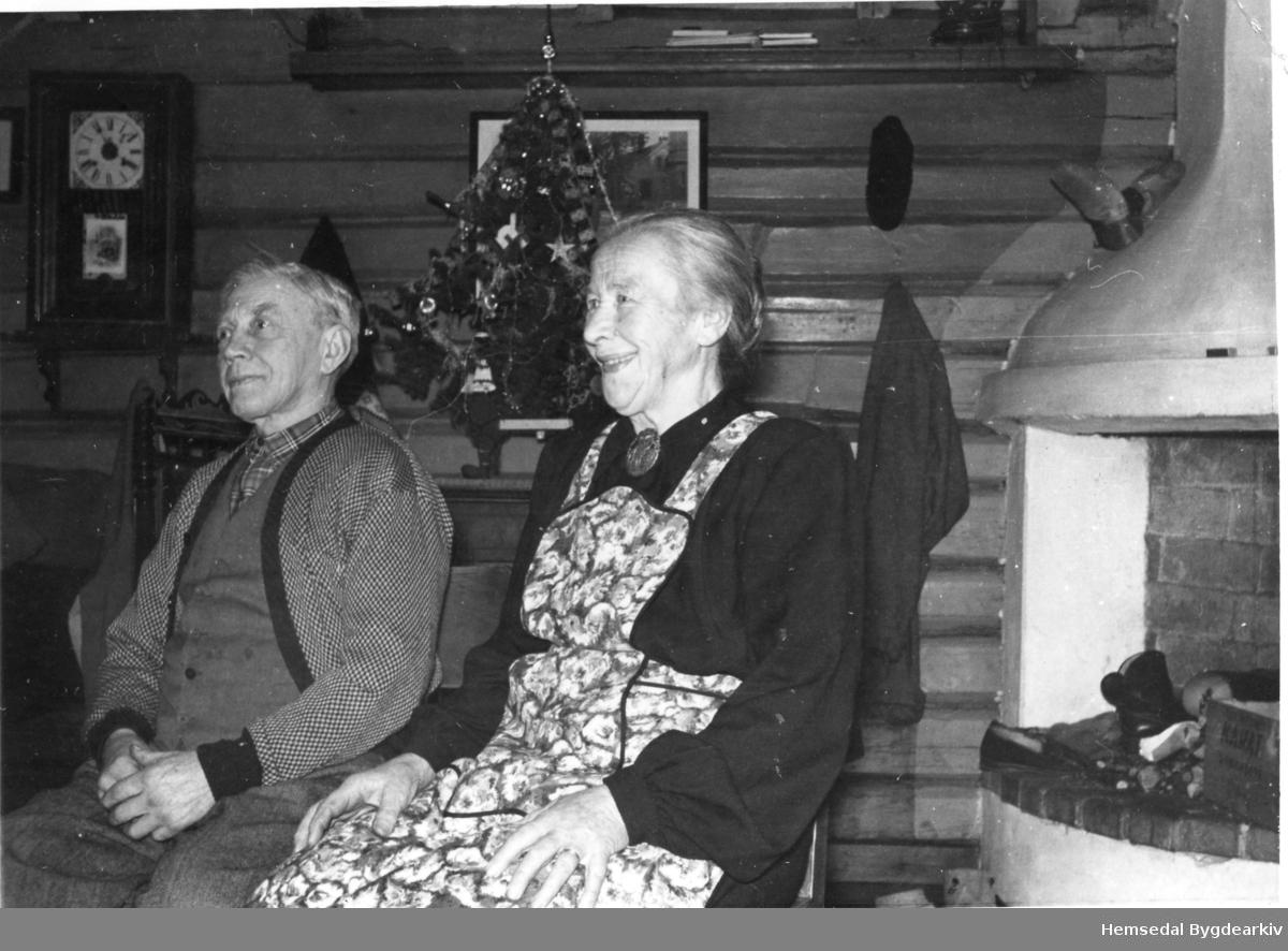 Ola Finset, fødd 1891, og Margit Finset, fødd 1889 Aalrust.