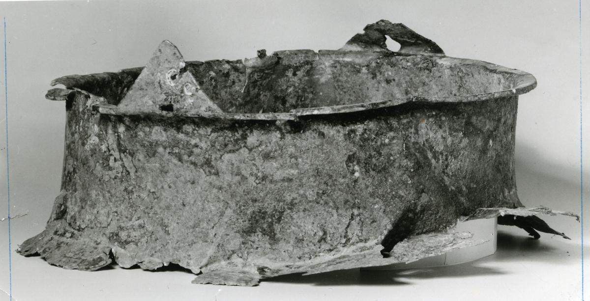 Bronsekjele, såkalt Vestlandskjel. Funn fra Røn i Vestre Slidre, Valdres.