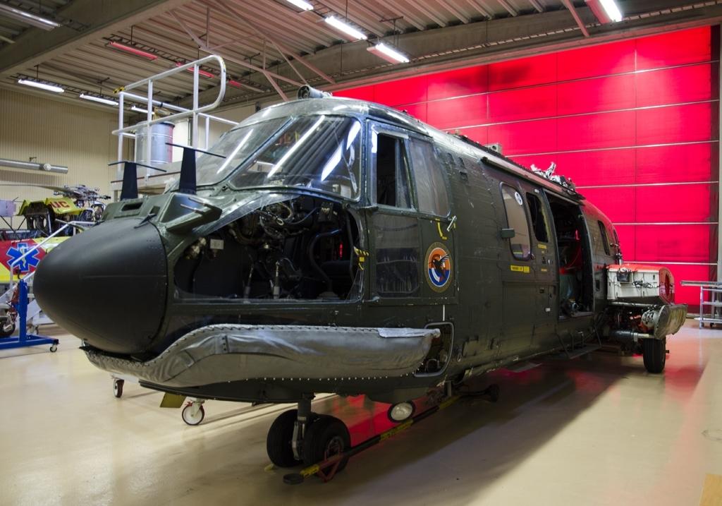 Fpl-nr: 10401. Helikopter Aerospeciale AS 322 MI Super Puma, HKP 10.  Flygmotor: 2 x Turboméca Makila IA, TAM 7. Besättning: 2 (+ 17).  Huvudsaklig användning för helikoptern var räddningsuppdrag och den var utrustad med radar och avancerad navigeringsutrustning.  Helikopter levererades 1988.