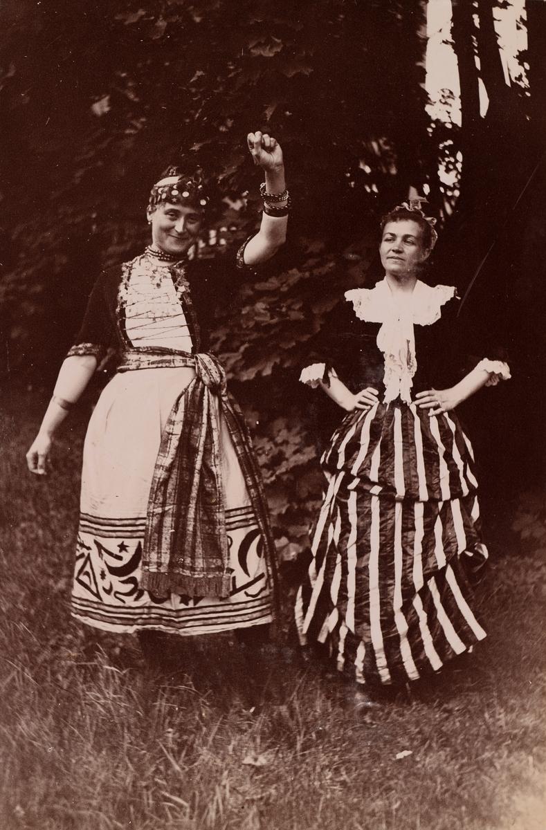 Louise Maurer og Agnes Mathiesen.
