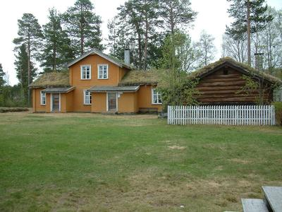 Motrøbygningen. Foto/Photo