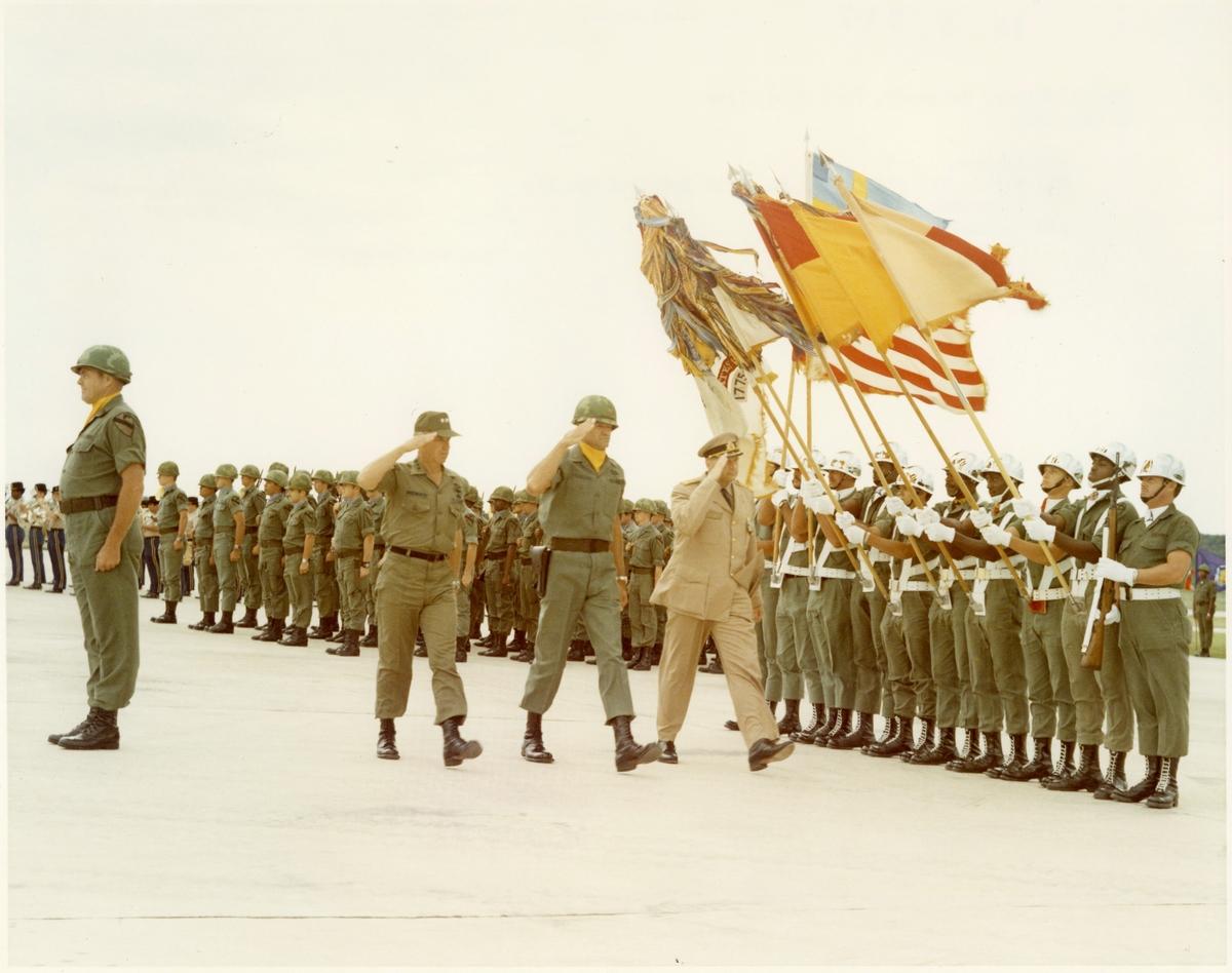 Utrikestjänst, CA besök i USA. Fort Hood, Texas.
