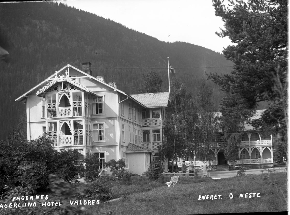 Fagerlund hotell med annekset, fotografert fra hagern