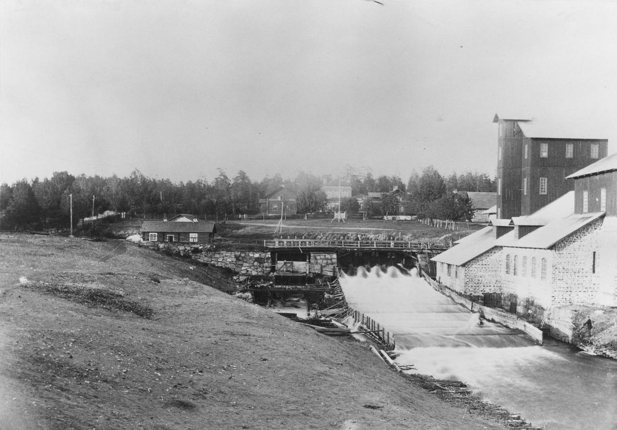 Järnbruk i Nordmaling, Västerbotten vid Leduån. Järnverksamheten upphörde 1894.