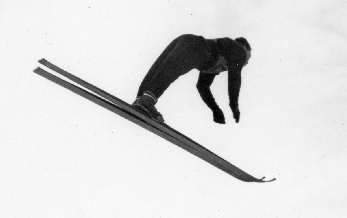 Norwegian ski jumper Arnholdt Kongsgård in OG Garmisch 1936