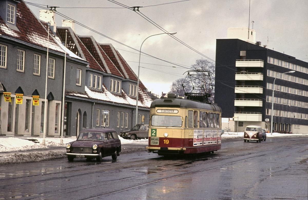 Trondheim Sporvei vogn 19 ved Lademoen.