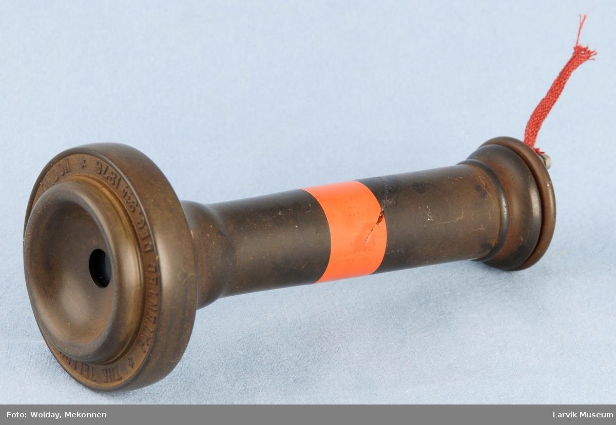 Form: Sylinder med ledning ene ende, høytaler i andre Manuell