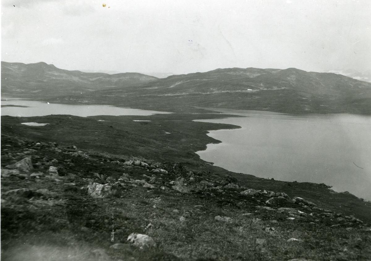 Landskapsbilde fra Steinbusjøen og Øyangen, Vang i Valdres.