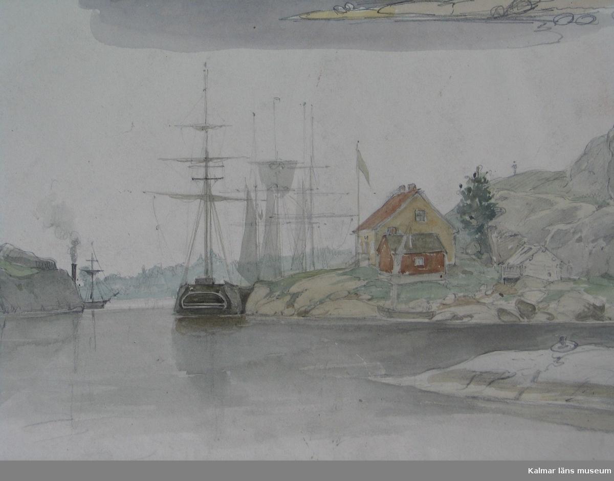 Spårösund med tullstugan samt segelfartyg, däromkring berg på ömse sidor. Uppe på berget till vänster syns Spårö båk.
