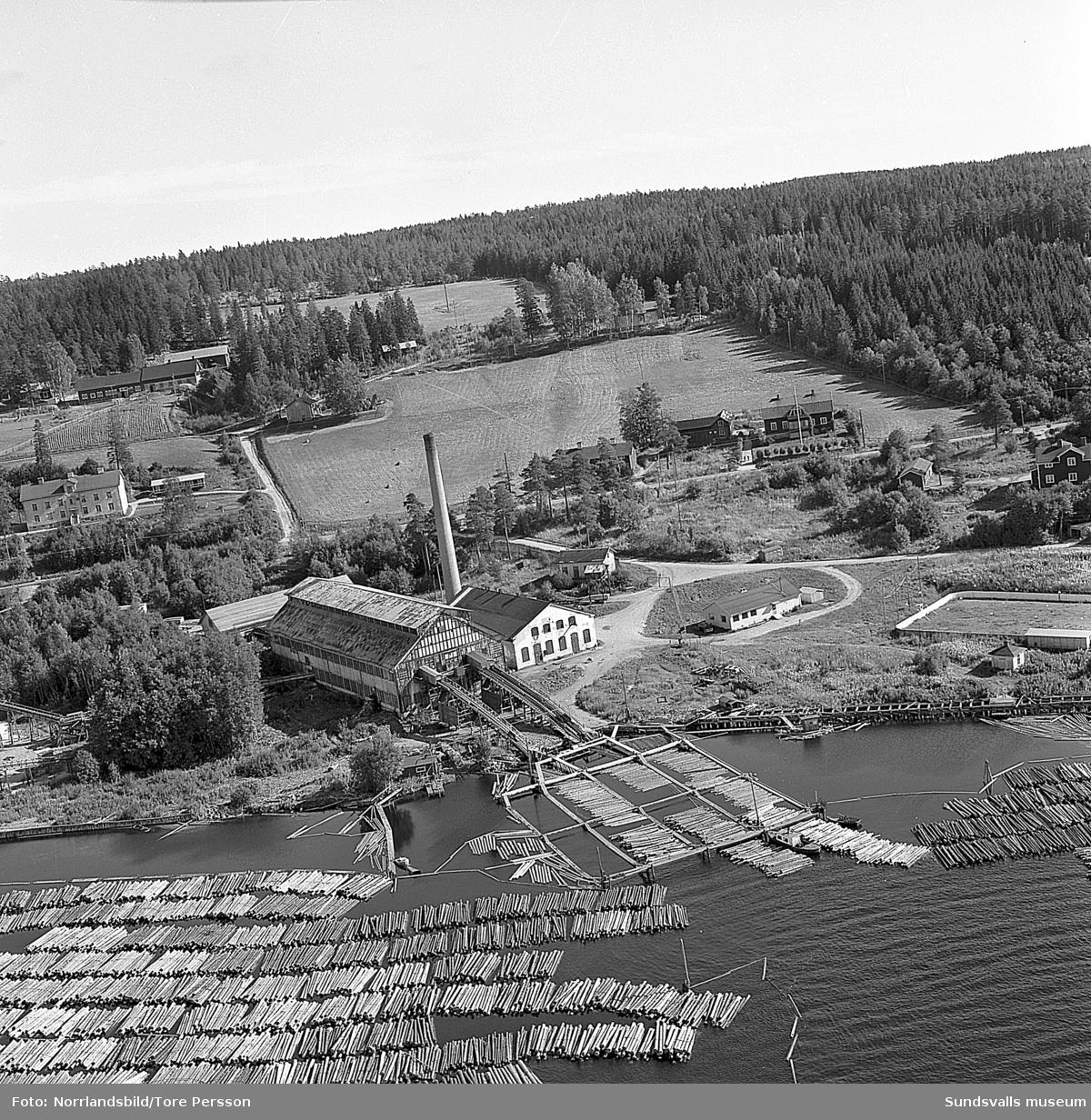 Flygfoton över Kalsviks sågverk.