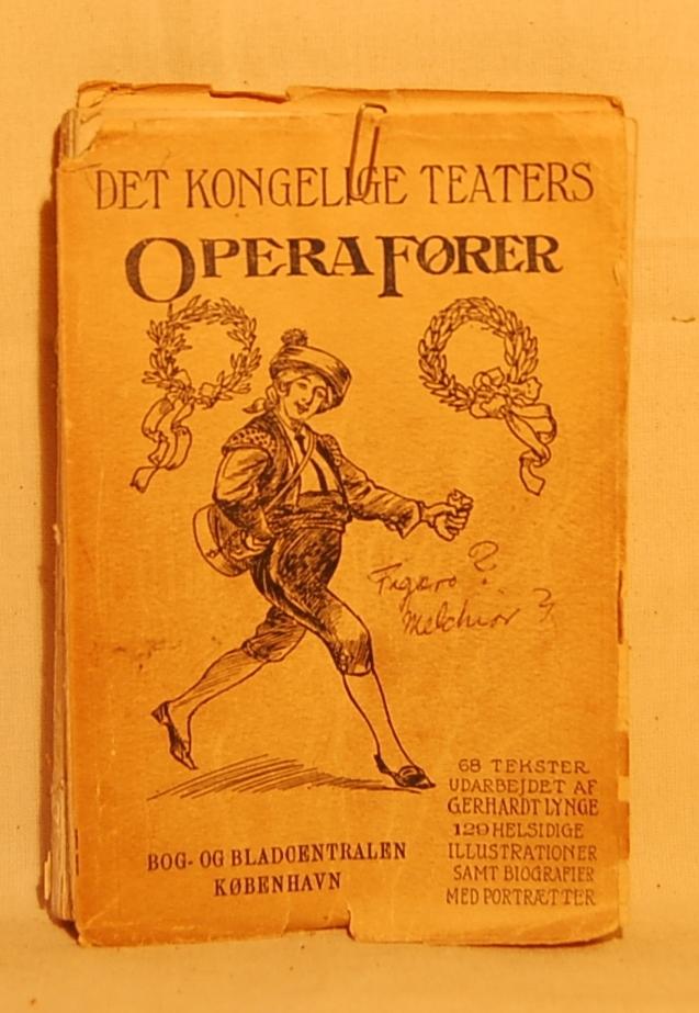 Filosofen Peter Wessel Zapffe og hans kone Berit testamenterte sin eiendom på Båstad i Asker til Universitetet i Oslo. Da det ble besluttet å selge eiendommen i 2009 ble deler av P.W. Zapffes arbeidsrom og andre eiendeler overlatt til Asker Museum. Denne samlingen inngår nå som en permanent utstilling på museet. Boken er holdt sammen med en rød gummistrikk (B) og en binders