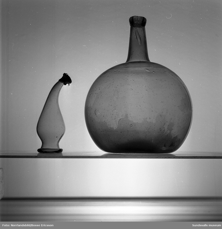 Glas och flaskor från Merlo slott.