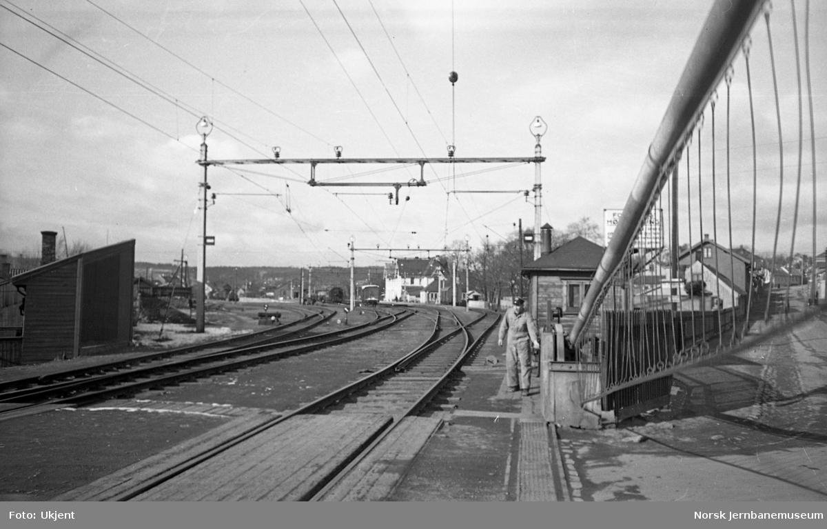 Moss stasjon, betjening av vegbommene