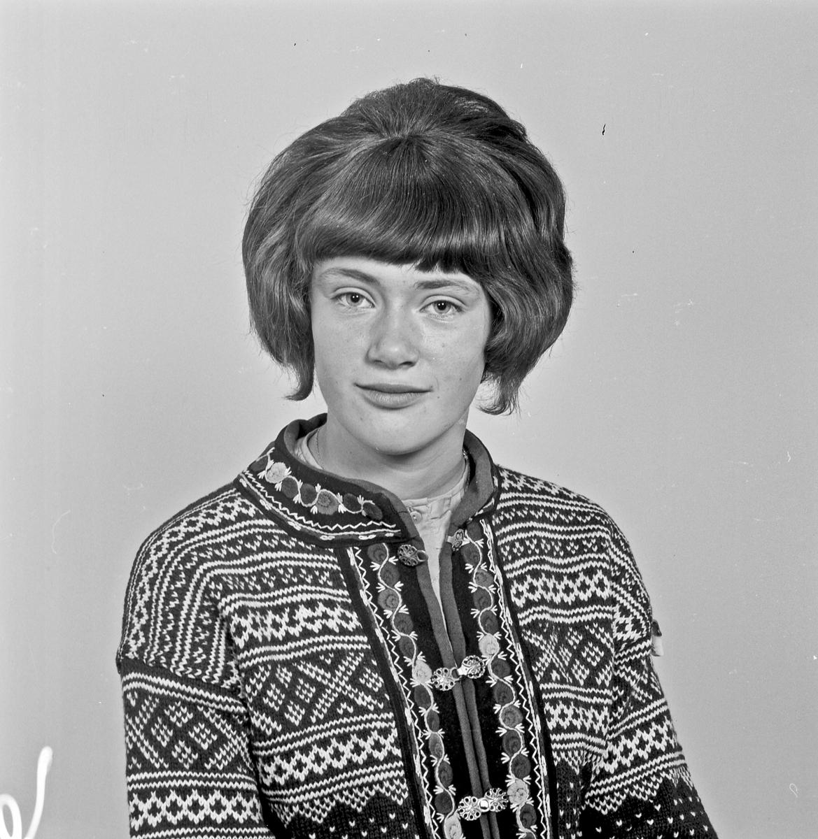 Portrett ung kvinne - bestiller Grete Nøtvedt