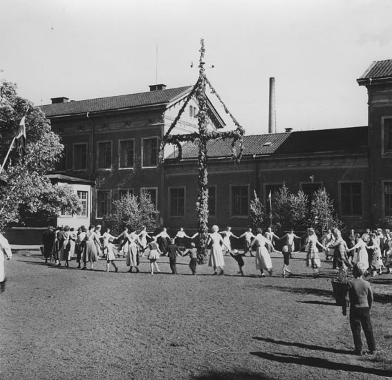 Midsommarfirande på S:t Jörgens sjukhus, Hisings Backa, Göteborg år 1958