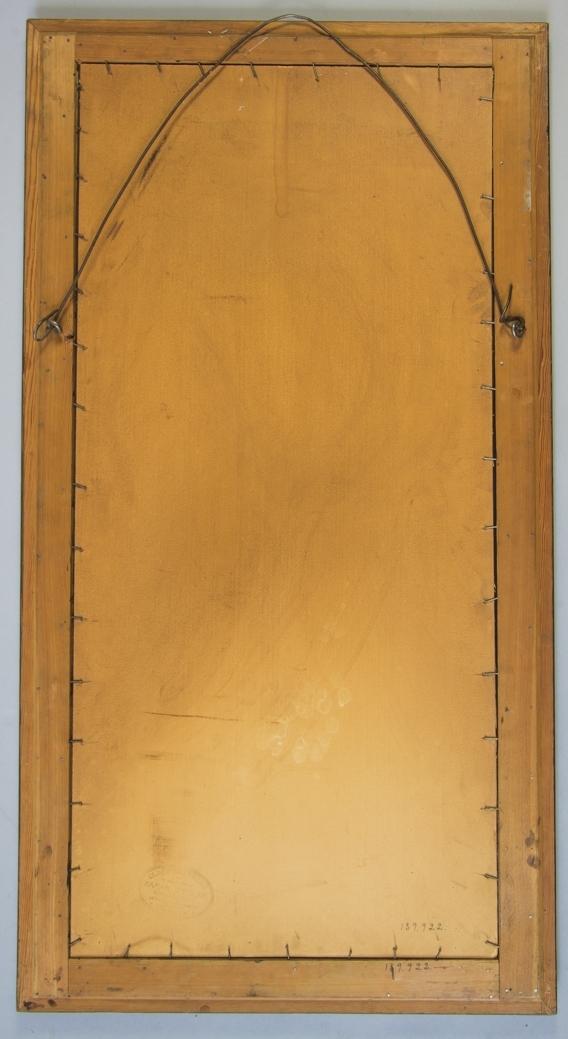 Spegel, stående rektangulär av brunmålat trä, möjligen ek. Spegelglas. Kraftig ståltråd för upphängning.