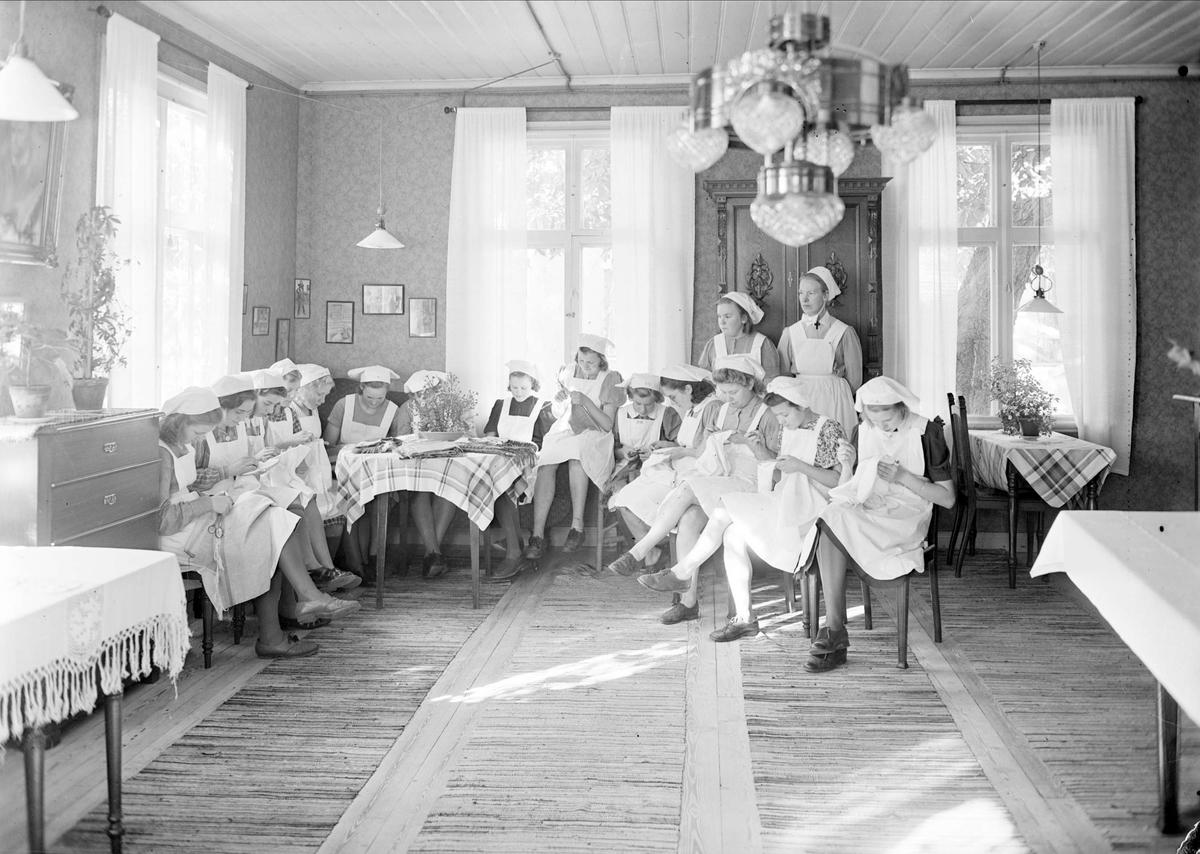 Grupporträtt, Samariterhemmet, Uppsala 1942