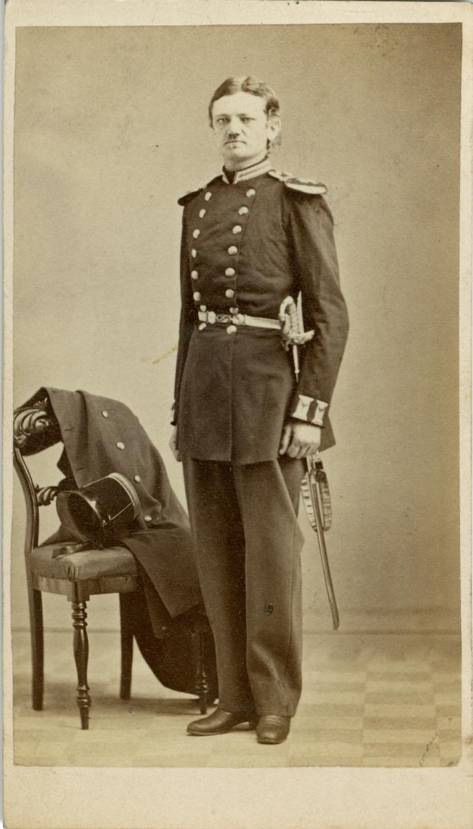 Porträtt av Ludvig Johan Philip Liljencrantz, löjtnant vid Uplands regemente I 8. Se även bild AMA.0005530 och AMA.0008012.