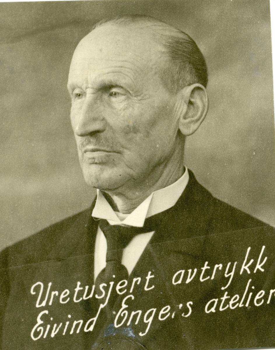 Portrett av Olaus Islandsmoen i 60-årsalderen.