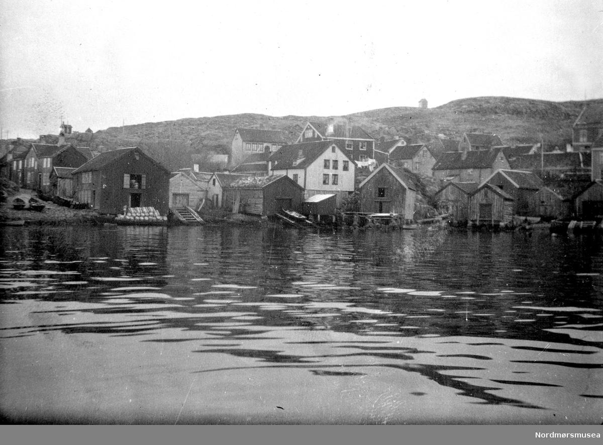 Foto trolig fra Hønebukta på Innlandet i Kristiansund. Fra Nordmøre museums fotosamlinger. EFR2015