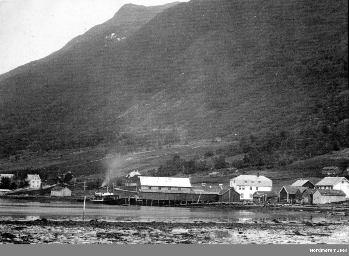 """""""Slakterihistorie"""".  Fra Nordmøre Museum sin fotosamling."""