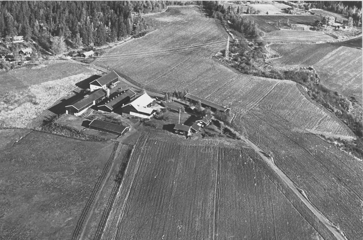 Flyfoto av Lønsvold gård i Nittedal