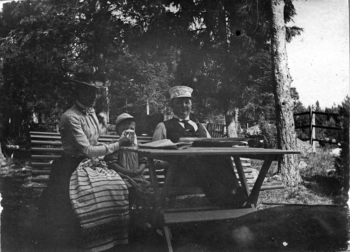 Farmor Sigrid Farfar. Fotograf Alfred Bergendahl. Givare H Bergendahl.