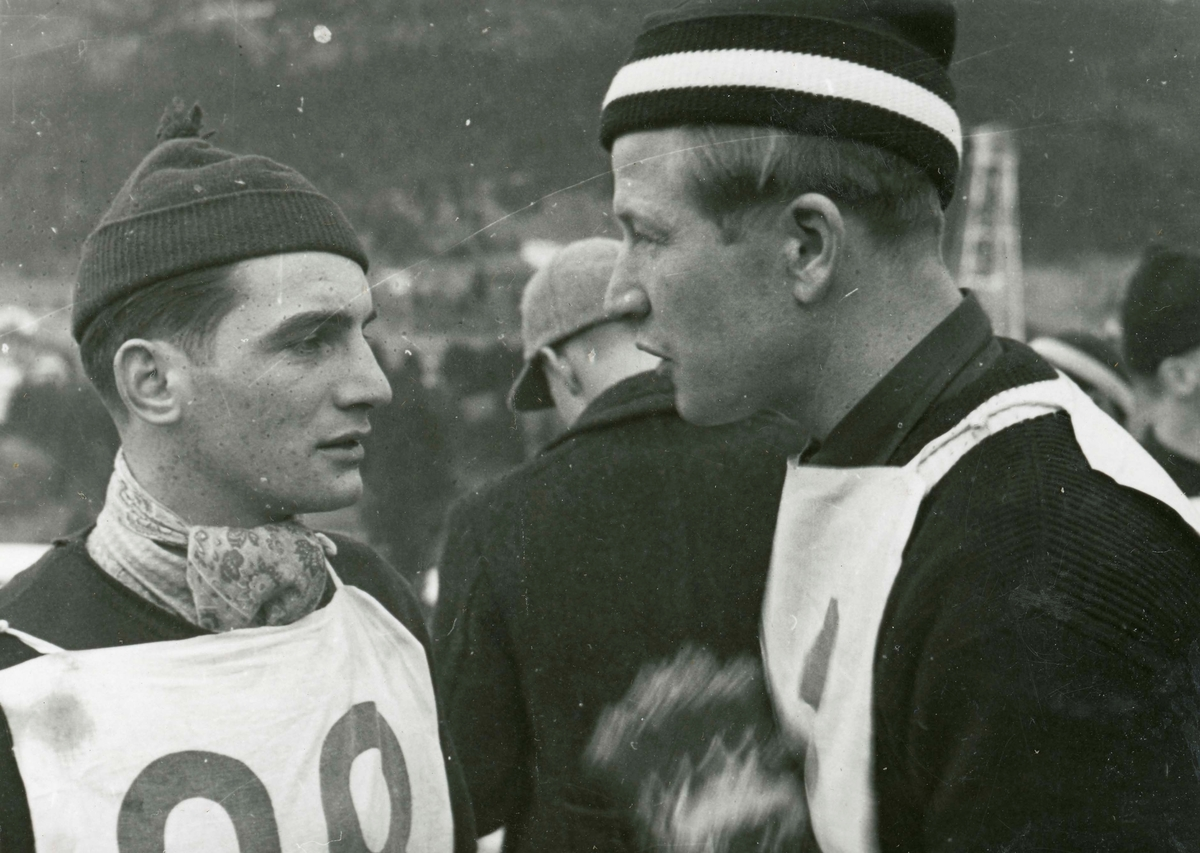Athlete Birger Ruud in conversation with co-competitor