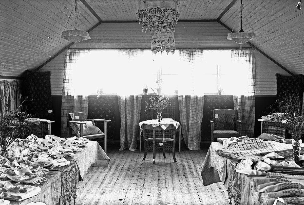 Västerbergs Folkhögskola. Textil Utställning
