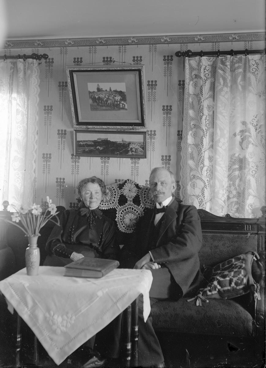 """Josef Erikssons svärföräldrar Anna Greta Andersdotter och Per Erik Pettersson, """"Erkis"""" i Berg"""